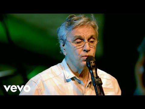 Caetano Veloso - Sem Cais (Ao Vivo) - UCbEWK-hyGIoEVyH7ftg8-uA