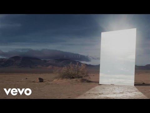 Zedd, Alessia Cara - Stay (Official Lyric Video) - UCFzm6oAGFmmZfkrzQ5wATSQ