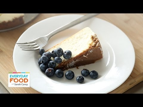 New York-Style Cheesecake - Everyday Food with Sarah Carey - UCl0kP-Cfe-GGic7Ilnk-u_Q