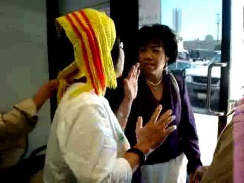 Bà Diệu Chi phản đối phóng viên Nguyễn Phương Hùng