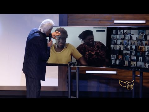 Pastor Benny Hinn prays for women with asthma - Zoom Healing Moment