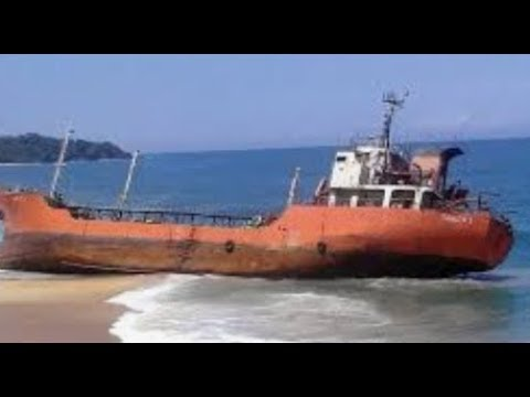 Breaking Ghost Ship Appears After 9 Years