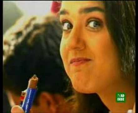 Preity Zinta Berita Foto Video Lirik Lagu Profil Bio - Gaya rambut pendek preity zinta