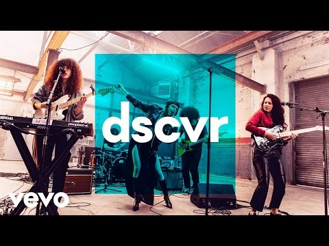 MUNA - I Know A Place - Vevo dscvr (Live) - UC-7BJPPk_oQGTED1XQA_DTw