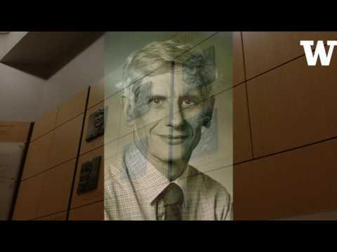 In Stockholm ceremony, UW professor emeritus David Thouless receives Nobel Physics Prize
