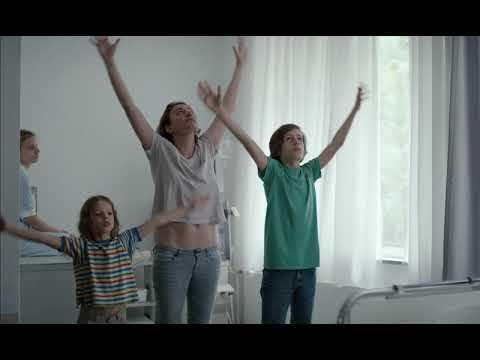 Estaba en casa, pero... - Trailer subtitulado en español (HD)