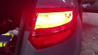 Come smontare faro posteriore Audi A3-Destro