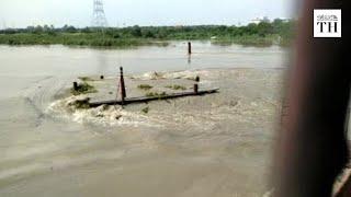 Yamuna river crosses warning mark