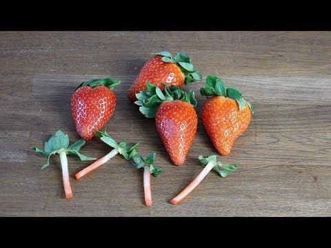 Rensa jordgubbar med sugrör