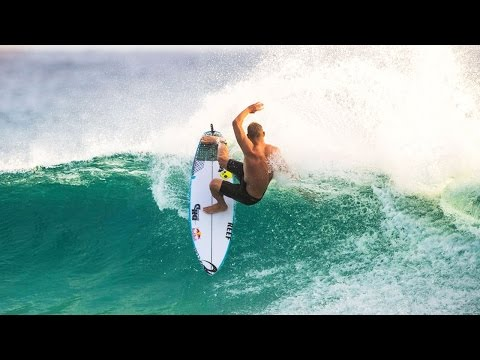 Freesurfing on the Gold Coast w/ Kerr, Medina, Otton, and Fanning