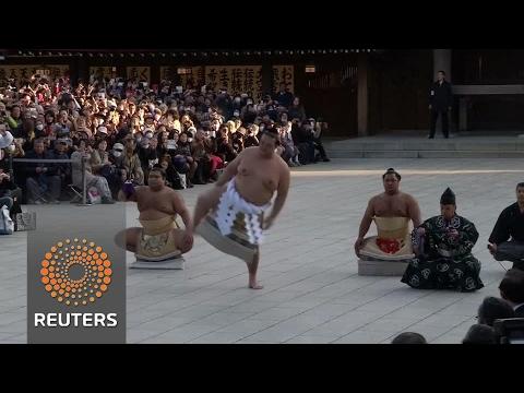 Japan sumo champ Kisenosato honoured at Tokyo shrine
