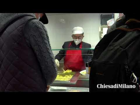 28-10-2020 L'Arcivescovo di Milano mons. Delpini fa volontariato alla mensa dei frati cappuccini