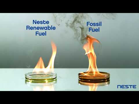 Watch how Neste Renewable Fuels burns compared to fossil fuel!  More information on renewable fuels: http://bit.ly/2ew0QQ9
