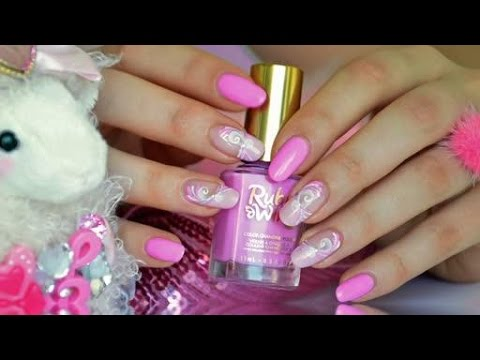 Nail art esay and girly french manucure