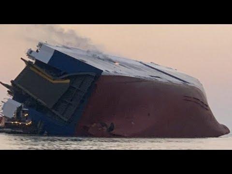 Breaking Cargo Ship Sinking Off Georgia Coast 20 Rescued 4 Missing
