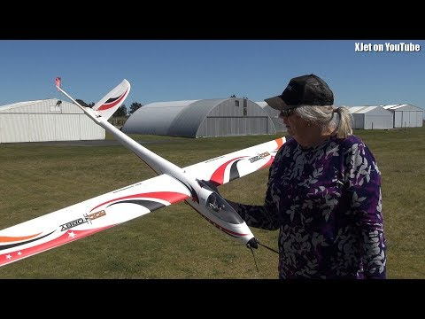 RC plane, a maiden's flight - UCQ2sg7vS7JkxKwtZuFZzn-g