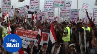 Thousands of Houthis demand reopening of Yemen's Sanaa airport