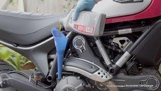 Come cambiare olio motore su Ducati Scrambler Desert Sled