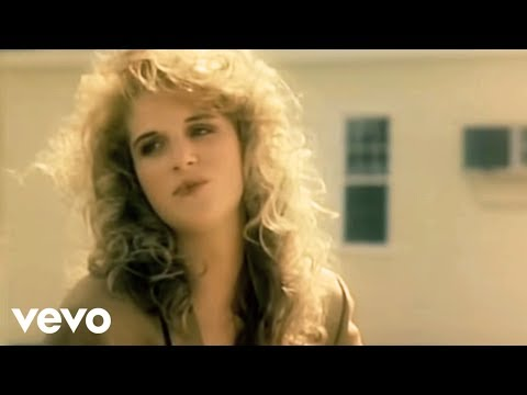 Trisha Yearwood - She's In Love With The Boy (Official Video) - UCZk0IcOLT0RVHzeGu9BuXtQ