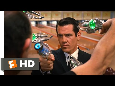 Men in Black 3 - Bowling Ball Head Scene (6/10) | Movieclips - UC3gNmTGu-TTbFPpfSs5kNkg