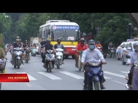 Hàng trăm người chết vì tai nạn giao thông dịp Tết (VOA)