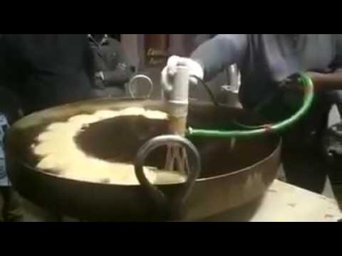 Check How This Faisalabad Guy Making Jalebi