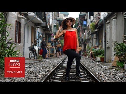 Đường tàu Hà Nội hút khách du lịch quốc tế - BBC News Tiếng Việt