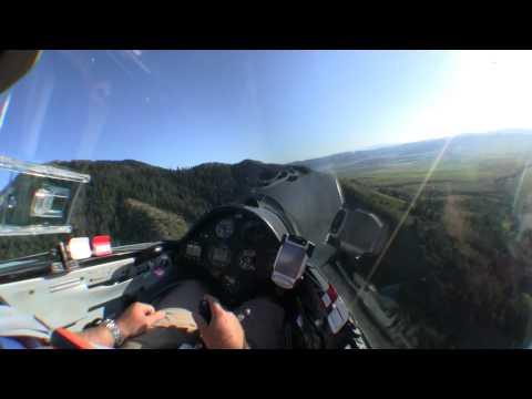 Glider Landing in Tall Wheat Field - UCEFlKFCFhuoacr_qCYu1I5Q