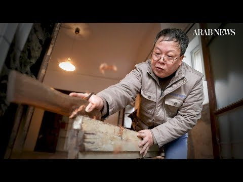 Carpenter preserves old Shanghai, one nail at a time