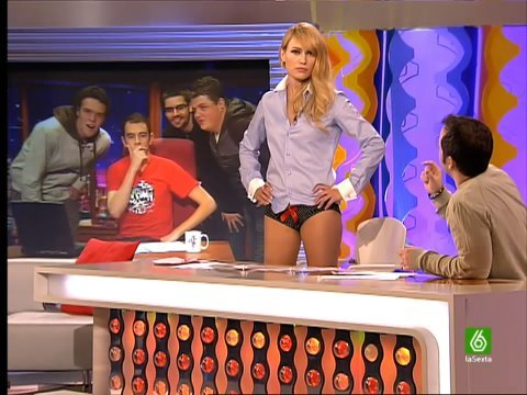 Mujer que tanga upskirt lush woman with glasses i adore her - 1 part 1