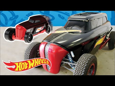 Making an EPIC MUSIC VIDEO with LIFE SIZE Hot Wheels cars! | Fast Track | Hot Wheels