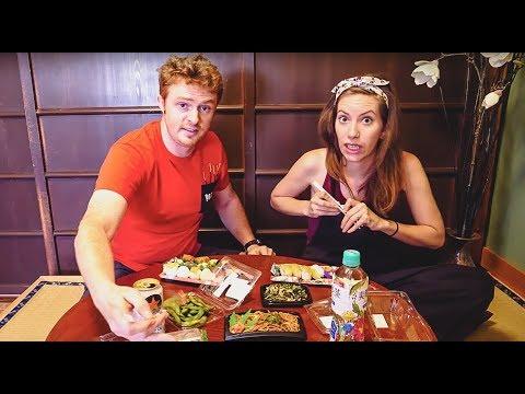 Japanese Food Mukbang: Foreigners try Sushi + Yakisoba + Matcha Mochi