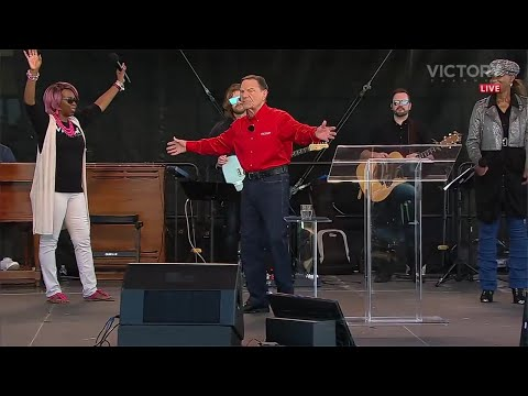 Kenneth Copeland Prophecy: 'The Giants Are Coming'