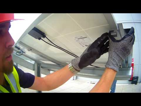 Installation of PV module with the PowAR Cinch™
