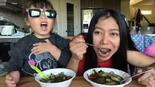 สามแม่ลูกกินแกงเห็ดผึ้ง #ลูกฝรั่งหน้าตาดี #เมียฝรั่ง #มนุษย์แม่ในต่างแดนThai Mushroom Soup