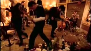 Whiskey In The Jar (Official Music Video) Sous titre Francais