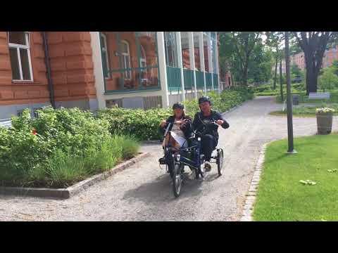 Eldriven tandemcykel väcker minnen på Stockholms Sjukhem