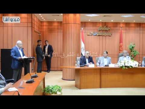 بالفيديو: المهندس شريف إسماعيل رئيس الوزراء يترأس اجتماعا بالقيادات التنفيذية ببورسعيد
