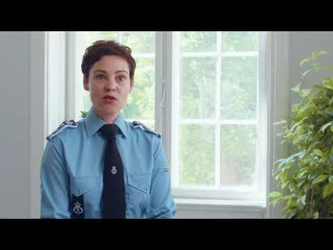 Hvad inderbærer jobbet som transportbetjent?