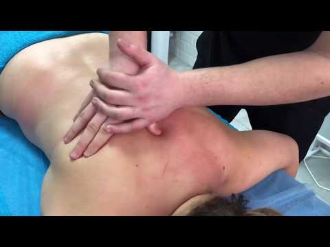 Классический массаж спины и шеи. Classic back and neck massage. photo
