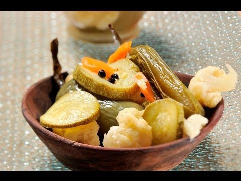 Chiles y verduras en escabeche - Pickled Chiles and Vegetables - UCvg_5WAbGznrT5qMZjaXFGA