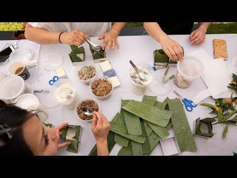 Báo New York Times viết về chuyện người Việt gói bánh chưng Tết