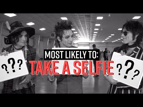 Your Favorite Bands - Who's Most Likely To Take a Selfie | Hot Topic - UCTEq5A8x1dZwt5SEYEN58Uw
