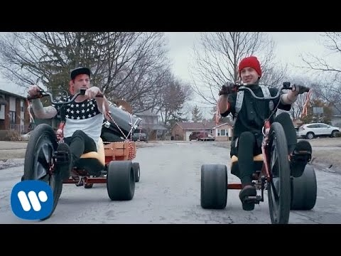 twenty one pilots: Stressed Out [OFFICIAL VIDEO] - UClVrJwcIy7saPcGc1nct80A