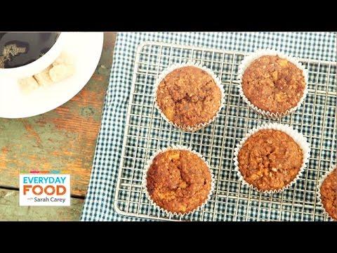 Pineapple Bran Muffin Recipe - Everyday Food with Sarah Carey - UCl0kP-Cfe-GGic7Ilnk-u_Q