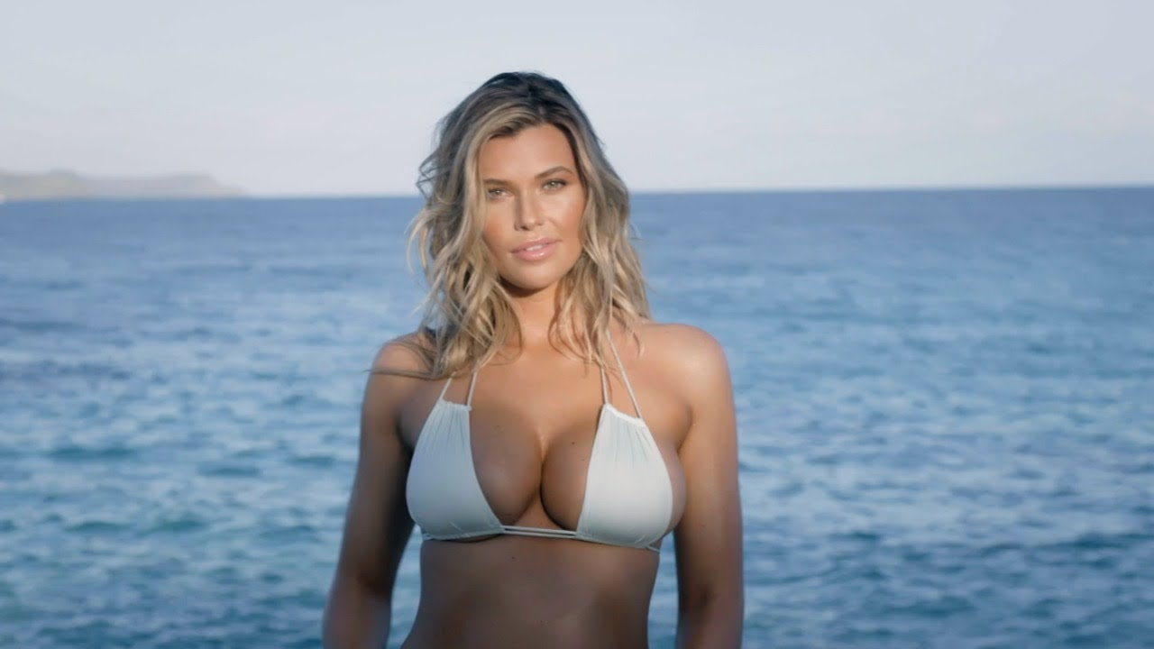 Get To Know SI Swimsuit Model Samantha Hoopes