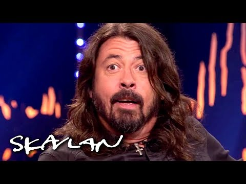 Foo Fighters' Dave Grohl gets a surprise reunion with the doctor who saved his leg | Skavlan - UCHkapYFq5ev4PDAxZQ_PF9Q