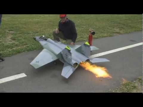 [Video]:  Jet Mig 29 Scale