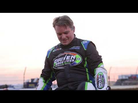 Jeff Gordon gets inside a USAC Midget at IMS. - dirt track racing video image