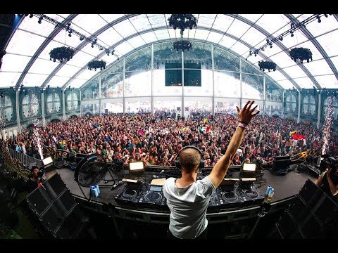 Armin van Buuren - Orangerie | Tomorrowland Winter 2019 - UCsN8M73DMWa8SPp5o_0IAQQ